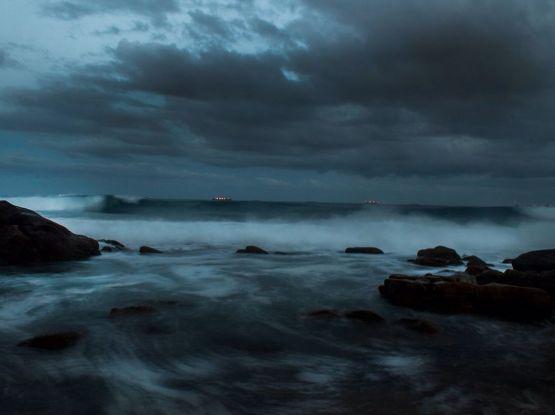 stormy-coast-durban_85712_990x742