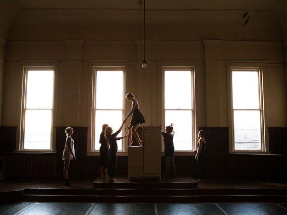 ballet-dance-studio-light_86224_990x742