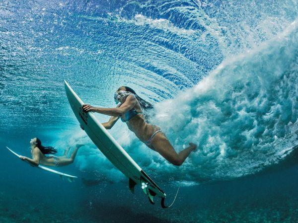 surfing-oahu-hawaii-nicklen_87543_990x742