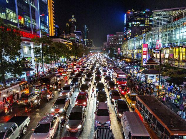 bangkok-night-guttenfelder_89656_990x742