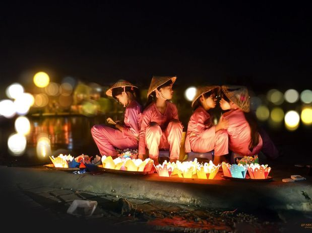 floating-candles-vietnam_89663_990x742