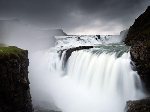 gullfoss-waterfall-iceland-ngpc2015_92122_990x742