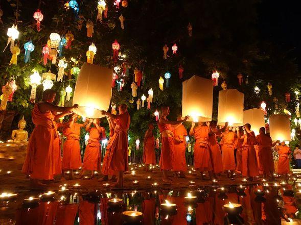 loi-krathong-festival-2_93178_990x742