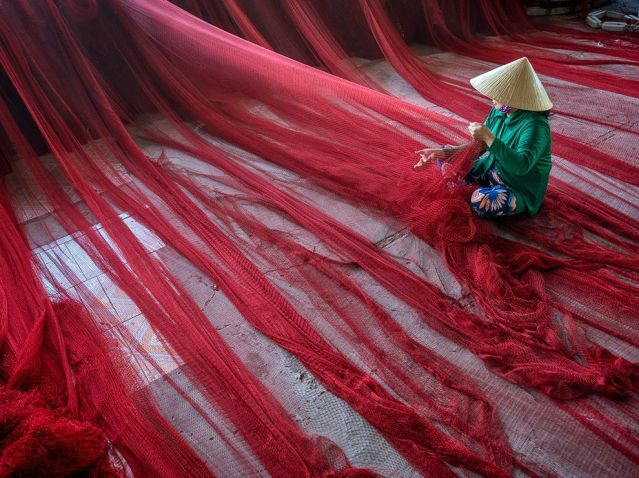 vietnam-red-fishing-nets_94332_990x742